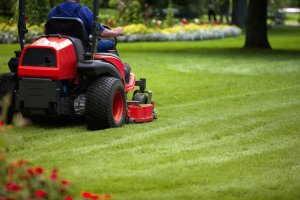 outdoor lawn mower storage Lovely The Best Time to Buy a Lawn Mower